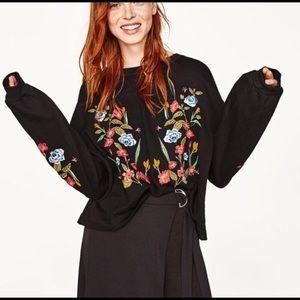 Black Floral Print pullover